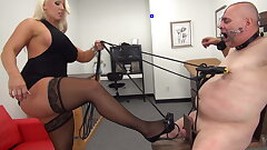 Milf Domina Mercedes enjoys torments her marionette with Cock and ball torture