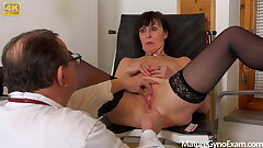 Old poon examination for hot grannie Lotty Blue