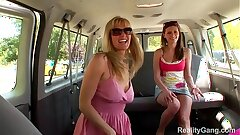 Lesbo milf hunts down Victoria Lawson