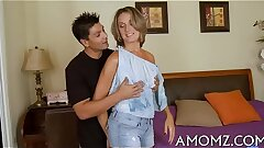 Pleasuring mother in a thrilling act
