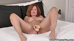 Florida cougar Andi James spends quality time with fuck stick