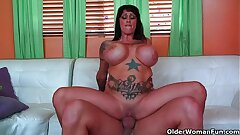 Yam-sized titted milf Deja Voo gets her mounds creamed