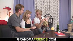 Sexy old damsel loves sucking and railing at same time